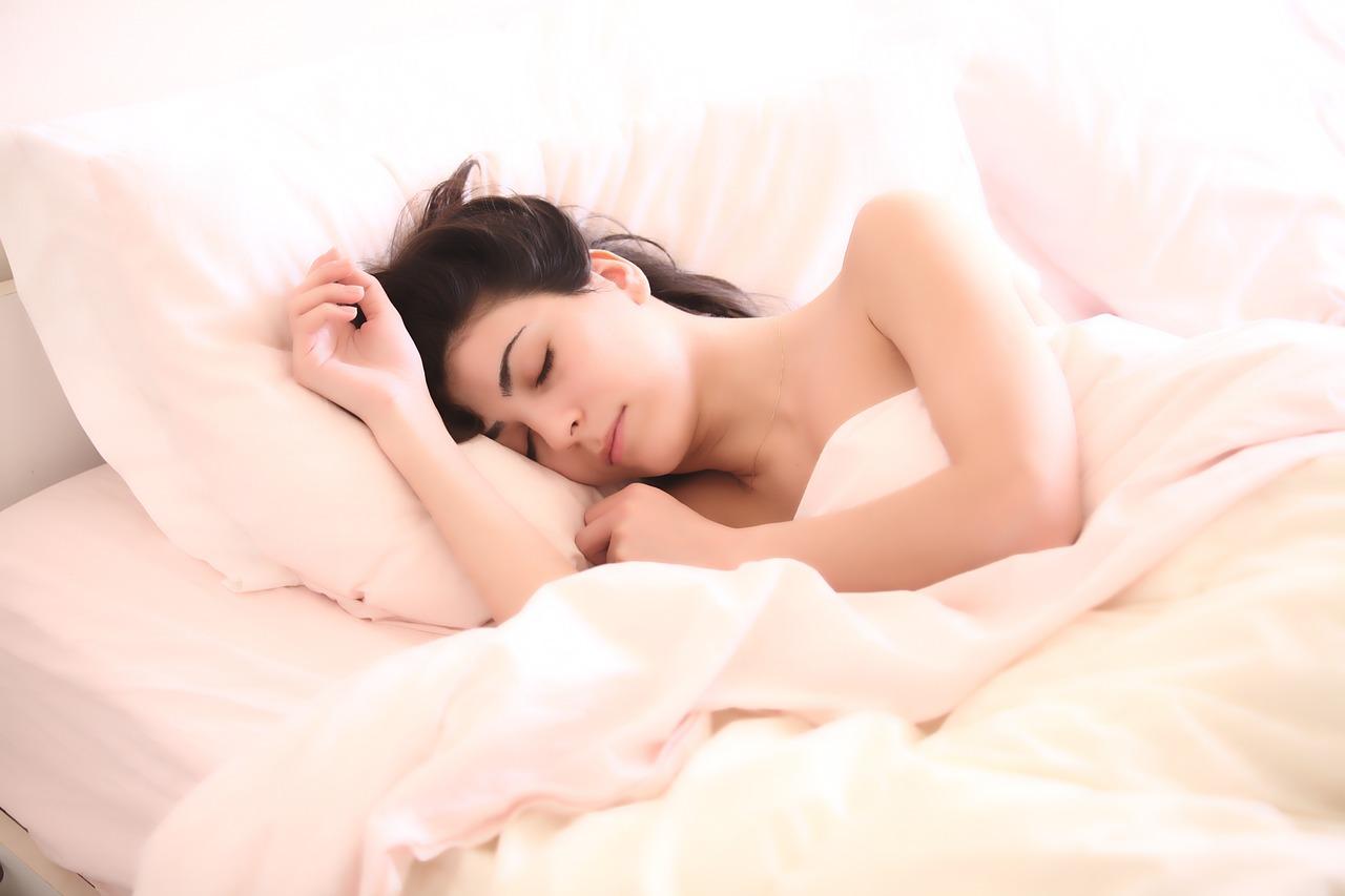 睡眠薬や入眠剤を飲んでも夜寝るべき理由